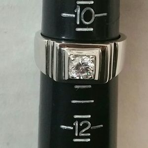 NEVER WORN SILVER PLATED W/WHT SAPPHIRE RING